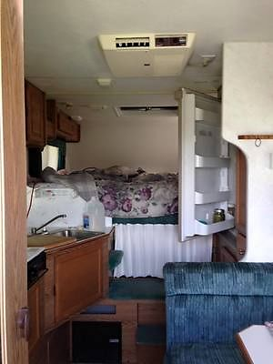 1997 Lantz Squire truck camper?