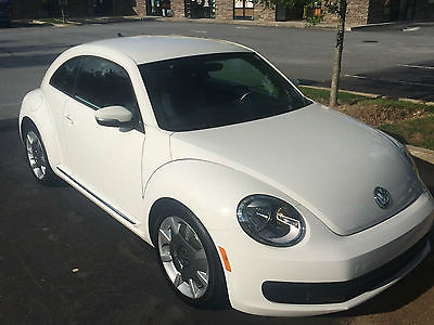 Volkswagen : Beetle-New 2DR Hatchback 2012 volkswagon beetle with sound fender premium audio and navigation