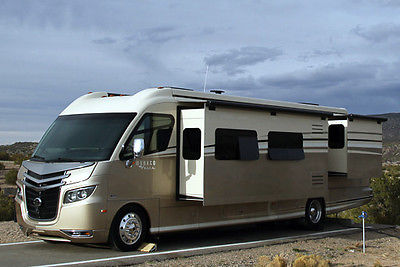 2012 Monaco Vesta 35 PBD Motorhome - One Owner - Excellent Condition - Low Miles