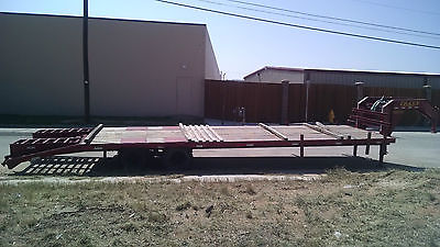 GOOSENECK TRAILER 32 foot dual tandem axles