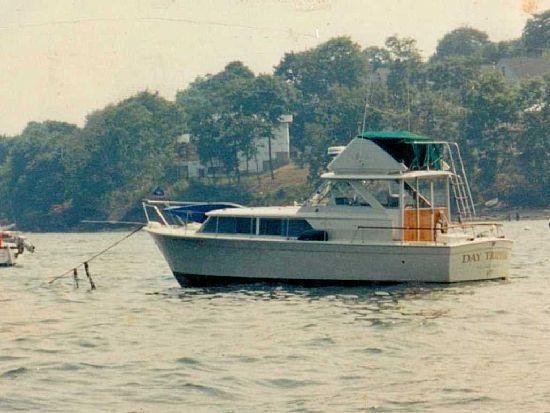 31' 1969 Chris Craft 310 Commander