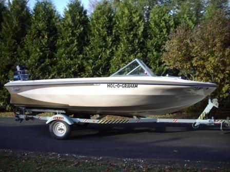Glastron Ski Boat w/ 115 hp Merc OB motor
