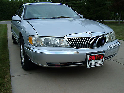 Lincoln : Continental Low, low mileage Lincoln Continental from original owner
