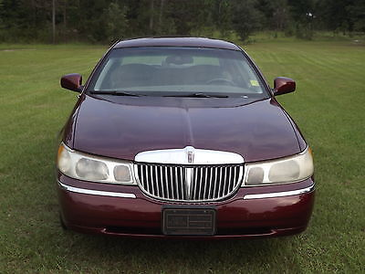 Lincoln : Town Car Presidential 2001 lincoln town car low miles