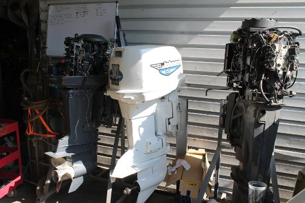 1995 JOHNSON 90 hp Engine and Engine Accessories
