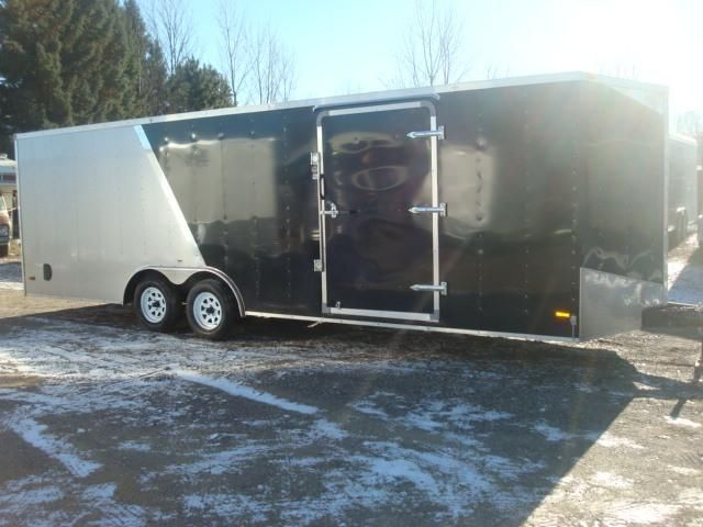 8.5X24 2015 ROYAL CARGO ENCLOSED TRAILEER