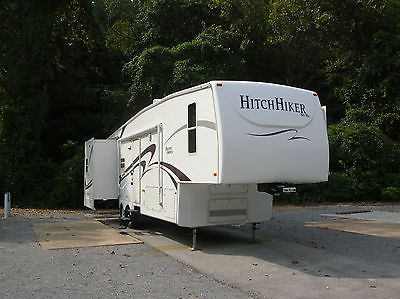 2007 Hitchhiker Discover America 329 RSB