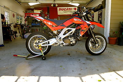 Aprilia : SXV 550 2009 aprilia sxv 550 supermoto perfect original condition adult owner
