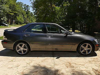 Lexus : IS 300 Popular year/model in high demand!