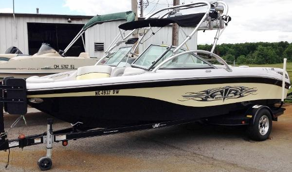 2008 NAUTIQUE Air Nautique 211
