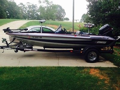 Bass Boat Stratos 268V 1995 with Johnson 115 hp and trailer