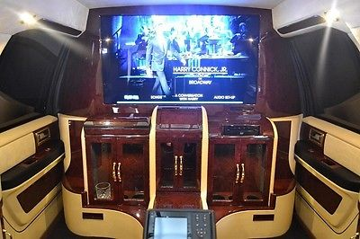 2010 LINCOLN NAVIGATOR BY LEXANI / MOBILE OFFICE AND LIMOUSINE