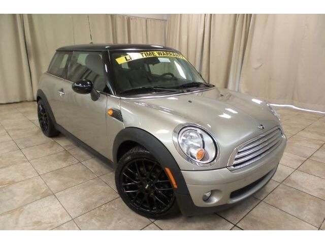 Mini : Cooper Base Mini Cooper Base Manual Hatchback 1.6L 6spd 2dr FWD Alloys