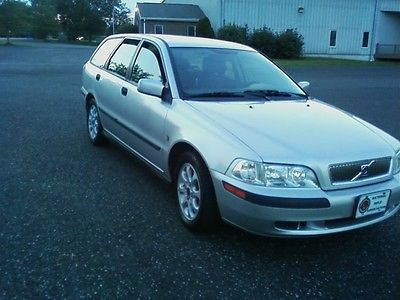Volvo : V40 Base Wagon 4-Door 2001 volvo v 40 wagon