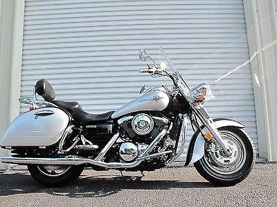 Kawasaki : Vulcan 2005 kawasaki vulcan 1600 nomad one owner only 1800 miles