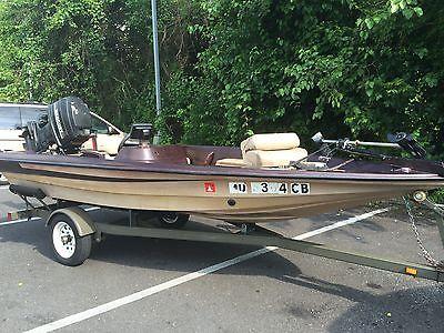 14ft BASS fishing boat - Gold Fiberglass Beauty
