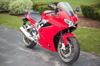 Honda : Interceptor 2014 sport new red