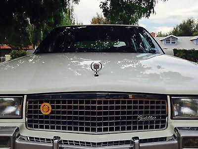 Cadillac : Fleetwood Base Sedan 4-Door 1990 cadillac fleetwood base sedan 4 door 4.5 l