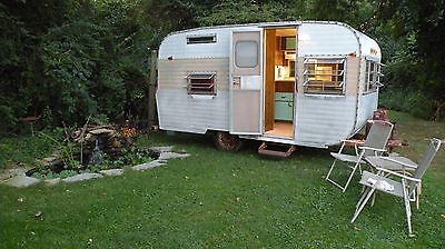 Vintage 1966 Yellowstone CANNED HAM CAMPER 13' Travel Trailer GREAT CONDITION