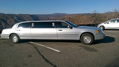 Lincoln : Town Car 72