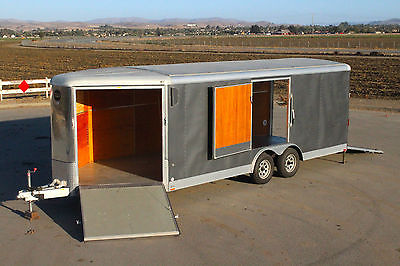 2005 8X25 WELLS CARGO ENCLOSED RACE TRAILER / CAR HAULER / TOYHAULER TOY STACKER