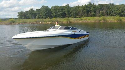 1993 Wellcraft Nova Spyder - Mercruiser 454 - Bravo 1 - Great Shape-Fast & Loud!
