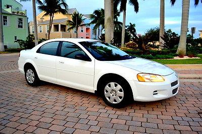 Dodge : Stratus SE 2002 dodge stratus se sedan 4 door 2.4 l low miles clean carfax 1 owner no games