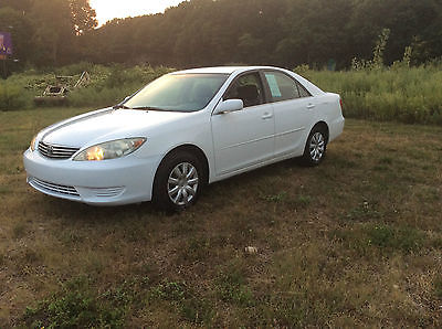 Toyota : Camry XLE 2005 toyota camery xle low miles 4 door cold ac 2 owners clean carfax