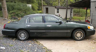 Lincoln : Town Car Signature 2000 lincoln town car signature sedan 4 door 4.6 l