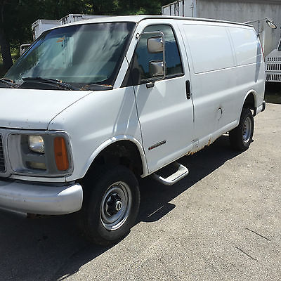 GMC : Savana Base Standard Cargo Van 3-Door 2000 gmc savana 4 wl drive 2500 base standard cargo van 3 door 4.3 l
