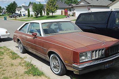 Oldsmobile : Cutlass 1978 cutlass salon brougham aeroback 2 door vinyl roof in good condition
