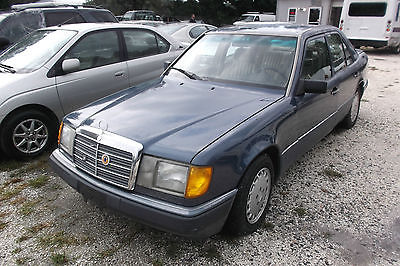 Mercedes-Benz : 300-Series 1992 Mercedes-Benz 300D 2.5 Sedan 4-Door 2.5L Luxu 1992 mercedes benz 300 d 2.5 sedan 4 door 2.5 l luxury drives good low reserve