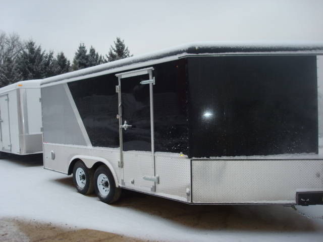 2015 UNITED UC 8.5X20 PLUS 5 FOOT WEDGE ENCLOSED TRAILER