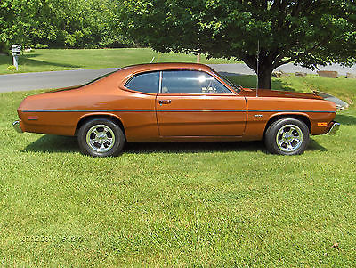 Plymouth : Duster 1974 plymouth duster 10 733 actual miles showroom condition