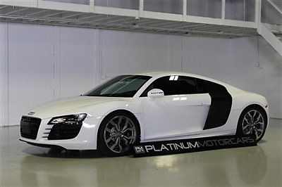 Audi : R8 Base Coupe 2-Door 2008 audi r 8 4.2 six speed 5.2 v 10 look with wheels rear bumper etc perfect