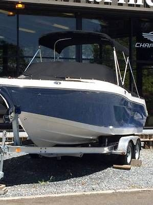 2014 Robalo R207 Awesome Boat in Excellent Condition