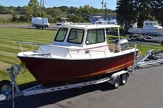 2005 STEIGER CRAFT 23FT PILOTHOUSE, HONDA 225HP 4STROKE 131HRS, W/ TRAILER