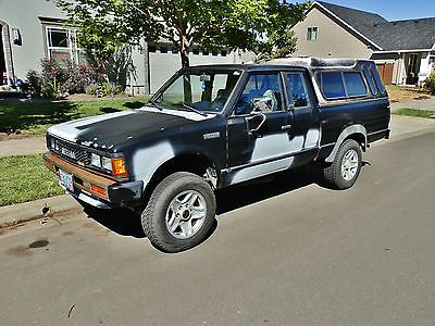 Nissan : Other Deluxe Extended Cab Pickup 2-Door 1985 nissan 720 deluxe extended cab pickup 2 door 2.4 l 5 spd 4 wd