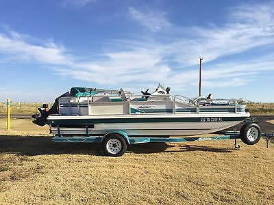 Hurricane Fun Deck Boat with live wells, canopy, fish finder and much more.