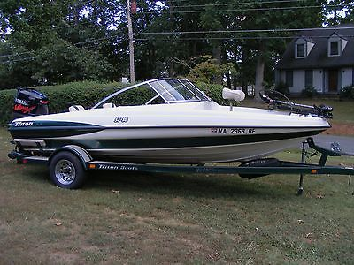 2000 Triton SF18 Ski & Fish 150 HP Yamaha EFI Very nice Low hours!!