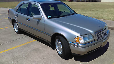 Mercedes-Benz : C-Class Super Low Miles! Like NEW! MUST SEE!!