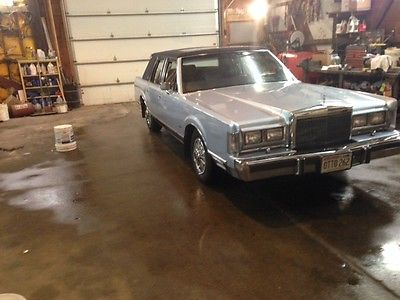 Lincoln : Town Car leather, loaded 1988 low mile lincoln