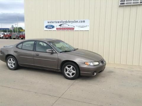 2002 PONTIAC GRAND PRIX 4 DOOR SEDAN