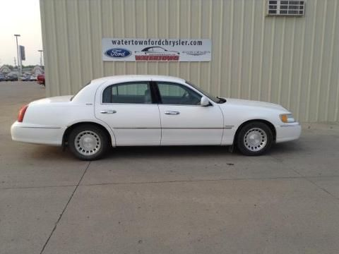 2001 LINCOLN TOWN CAR 4 DOOR SEDAN