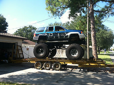 Monster Mud Truck - 2 1/2 Ton Offroad 4x4