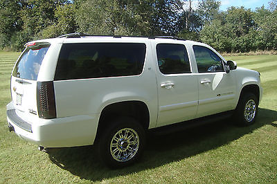 chevrolet suburban cars for sale in milwaukee wisconsin. Black Bedroom Furniture Sets. Home Design Ideas