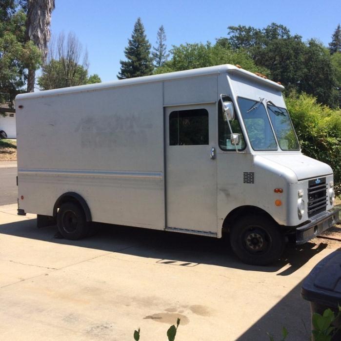 1990 Grumman Olson Kurbmaster  Cargo Van