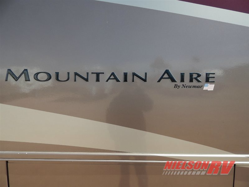 2002 Newmar Mountain Aire 4095 DP