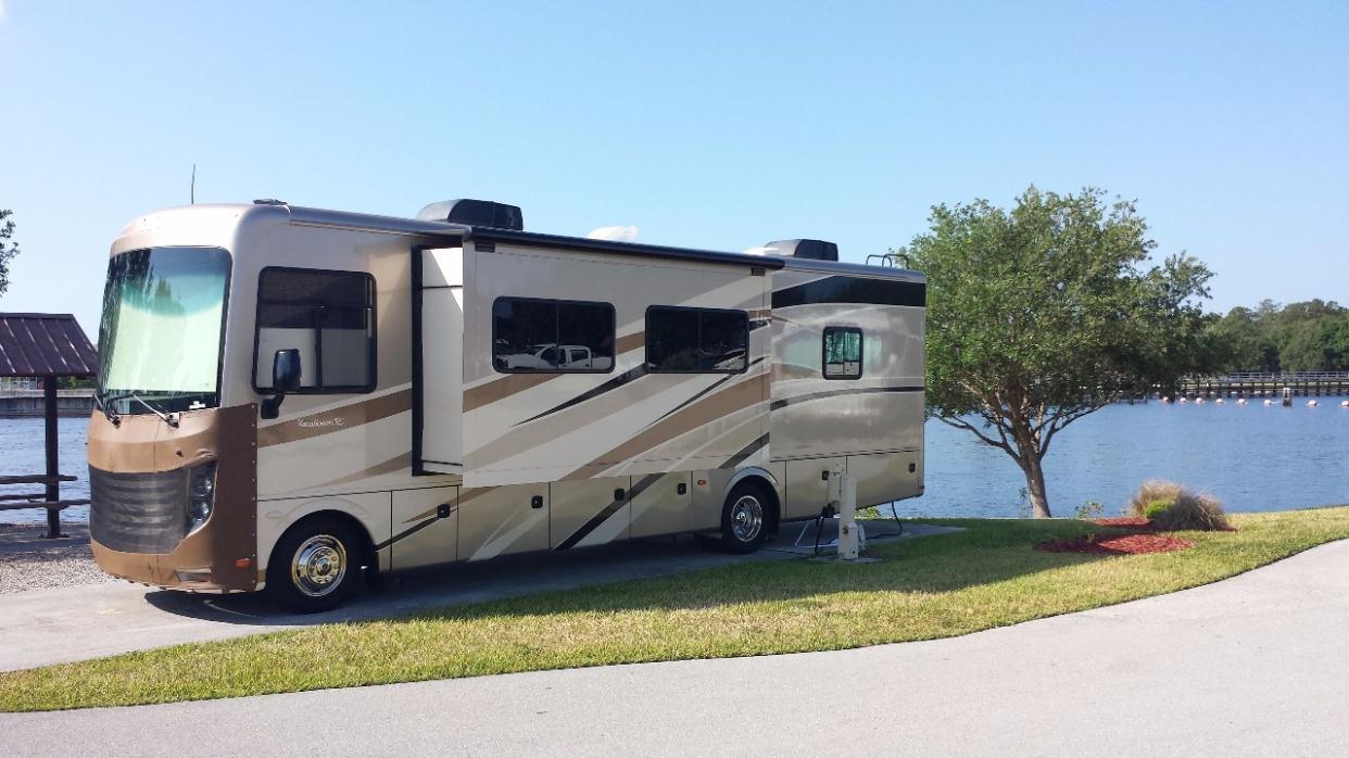 Holiday rambler vacationer 32wbd rvs for sale for Holiday rambler motor homes