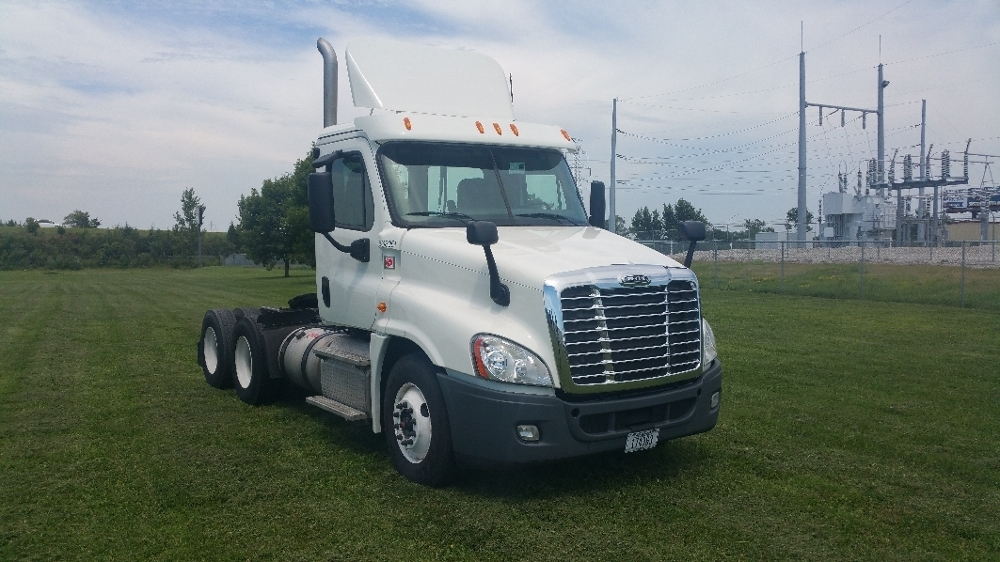 2013 Freightliner Cascadia 125 Conventional - Day Cab